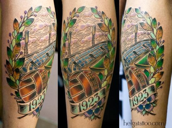 old school neo traditional tattoo цветная тату на ноге мяч стадион татуировка в традиционном стиле