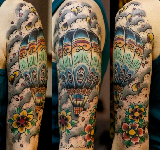 old school neo traditional tattoo balloon air balloon aerostat цветная тату на руке цветы шарик аэростат  татуировка в традиционном стиле