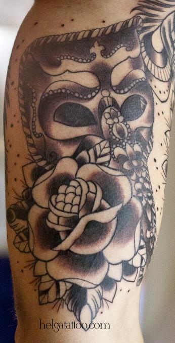 old school neo traditional tattoo Venetian mask rose черно-белая тату татуировка в традиционном стиле