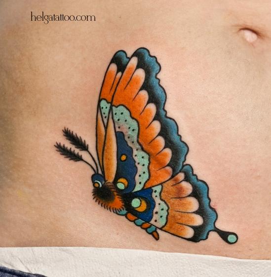 old school neo traditional tattoo butterfly цветная тату на животе на шраме перекрытие шрамов Санкт-Петербург  татуировка в традиционном стиле