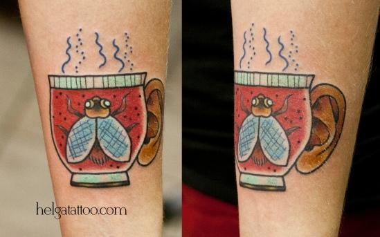 рисунок дизайн скетч чашка old school neo traditional tattoo cup of tea five o'clock цветная тату на руке на запястье татуировка в традиционном стиле