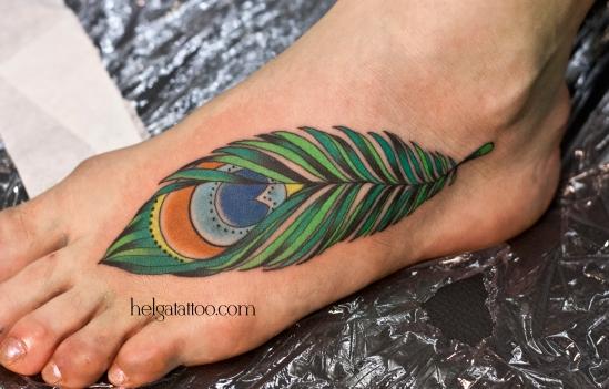 old school neo traditional tattoo цветная тату на ноге на подъеме татуировка в традиционном стиле в Санкт-Петербурге