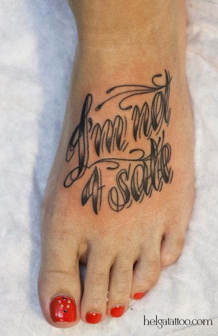 old school neo traditional tattoo i am not for sale тату на ноге шрифт фраза татуировка в традиционном стиле  олд скул в Питере СПб