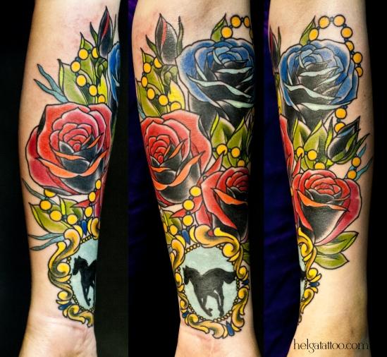 old school neo traditional tattoo horse rose medallion  locket tatuaje rosa caballo medallón цветная тату на руке татуировка в традиционном стиле  deftones олд скул  в Питере СПб