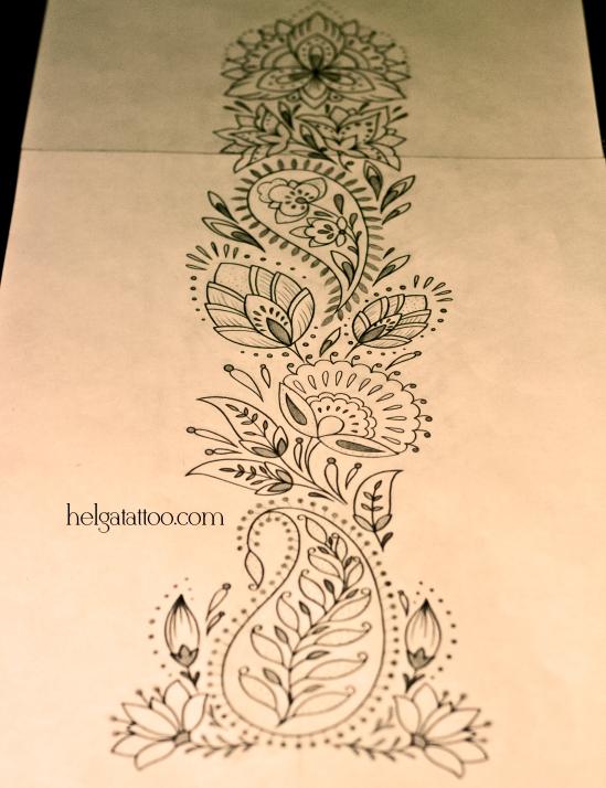 diseño floral tatuaje орнамент узор абстрактная тату черно-белая орнаментальная татуировка на спине позвоночнике floral ornament  tattoo mendi indian индийские мотивы индия менди мехенди