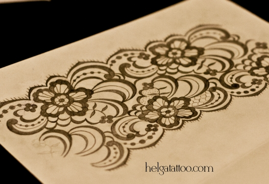 рисунок дизайн скетч design sketch diseno манжет сетка орнамент растительный цветочный узор татуировка в Санкт-Петербурге  old school neo traditional tattoo tatuaje тату в традиционном стиле традиция олд скул традишнл