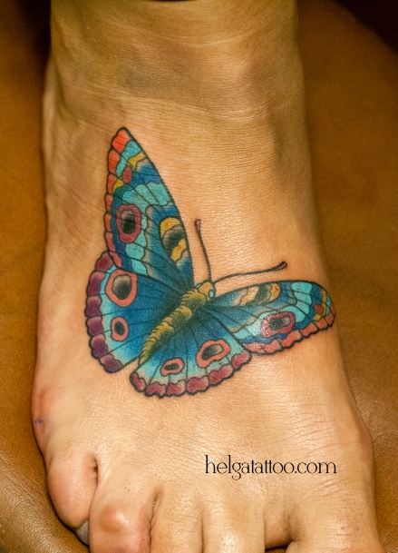old school neo traditional tattoo butterfly mariposa tatuaje тату в традиционном стиле традиция олд скул традишнл   цветная татуировка на ноге в Санкт-Петербурге