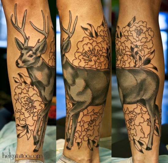олень цветы flowers ciervo flores животные old school neo traditional tattoo tatuaje тату в традиционном стиле традиция олд скул традишнл цветная красивая татуировка в Санкт-Петербурге
