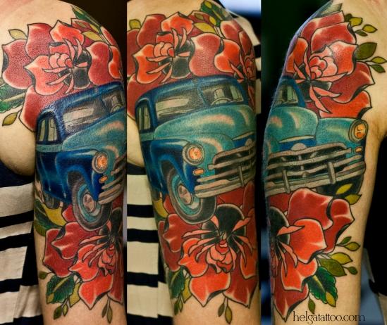победа old school neo traditional tattoo car coche rose rosa flower ретро винтаж авто автомобиль советский retro auto tatuaje тату в традиционном стиле традиция олд скул традишнл  на руке цветная в Санкт-Петербурге