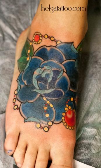 old school neo traditional tattoo rose flower tatuaje тату в традиционном стиле традиция олд скул традишнл   цветная татуировка  в Санкт-Петербурге cover up исправление перекрытие некачественных старых татуировок портаков кавер