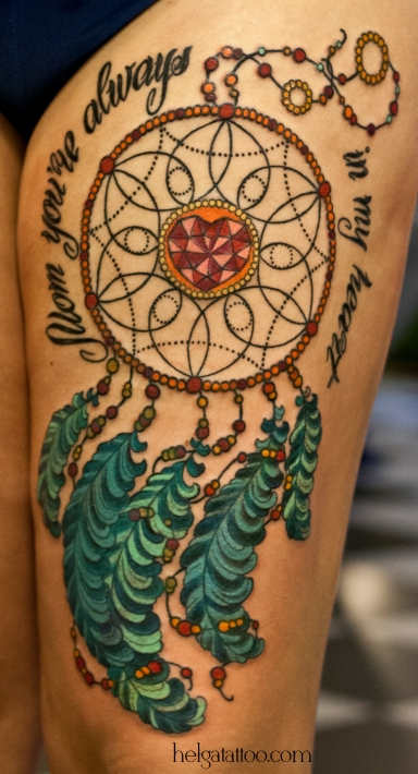 Dreamcatcher heart mom надпись сердце перо old school neo traditional tattoo tatuaje тату в традиционном стиле традиция олд скул традишнл   цветная татуировка  в Санкт-Петербурге