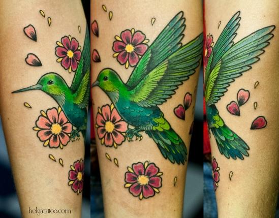 колибри old school neo traditional tattoo tatuaje bird птица цветы sakura сакура colibri flower  тату в традиционном стиле традиция олд скул традишнл   цветная татуировка  в Санкт-Петербурге