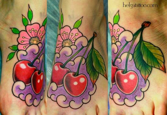 cherry cereza flower flor цветок вишенки old school neo traditional tattoo tatuaje тату в традиционном стиле традиция олд скул традишнл   цветная татуировка  в Санкт-Петербурге