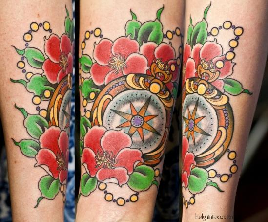 компас old school neo traditional tattoo brújula flowers flores цветы цветочки tatuaje тату в традиционном стиле традиция олд скул традишнл   цветная татуировка  в Санкт-Петербурге