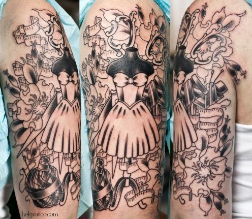 dress old school neo traditional tattoo tatuaje тату в традиционном стиле традиция олд скул традишнл  платье нитки цветы метр наперсток flower цветная татуировка  в Санкт-Петербурге
